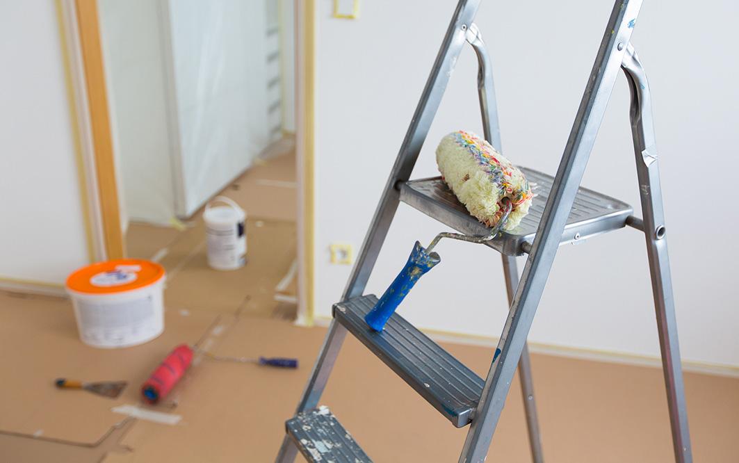 Malerwerkzeug und Leiter Vorschaubild
