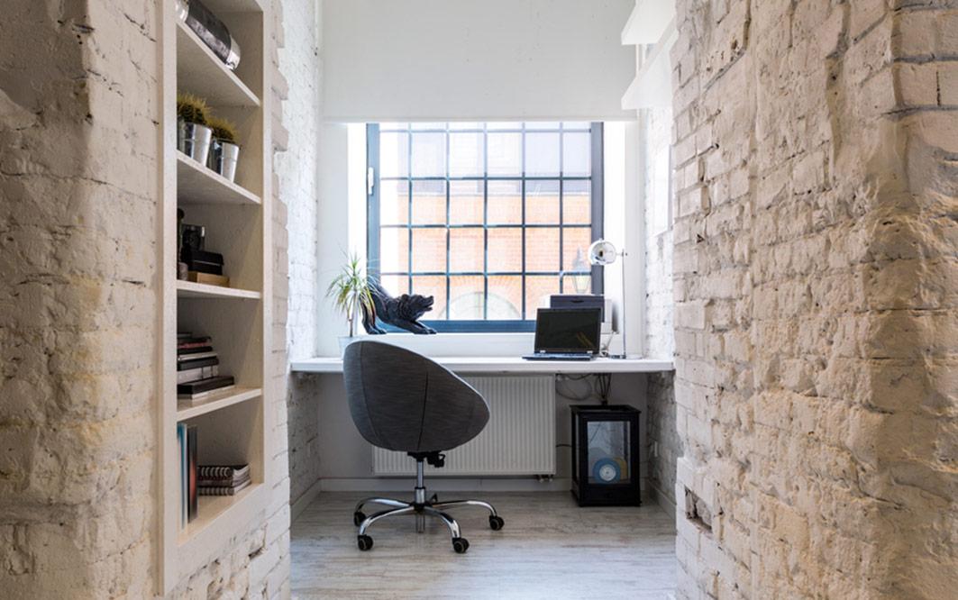 Dekorierter Raum im Industrie Charm Style