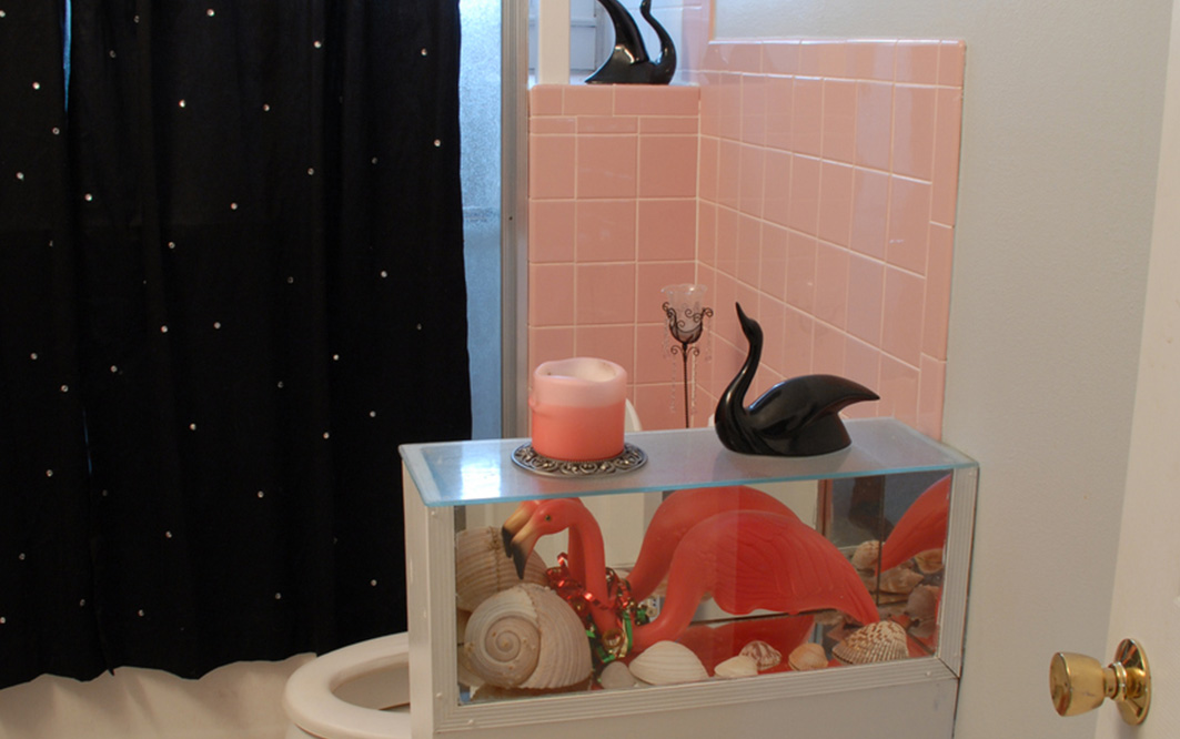 Dekorierter Raum im Miami Flamingo Style