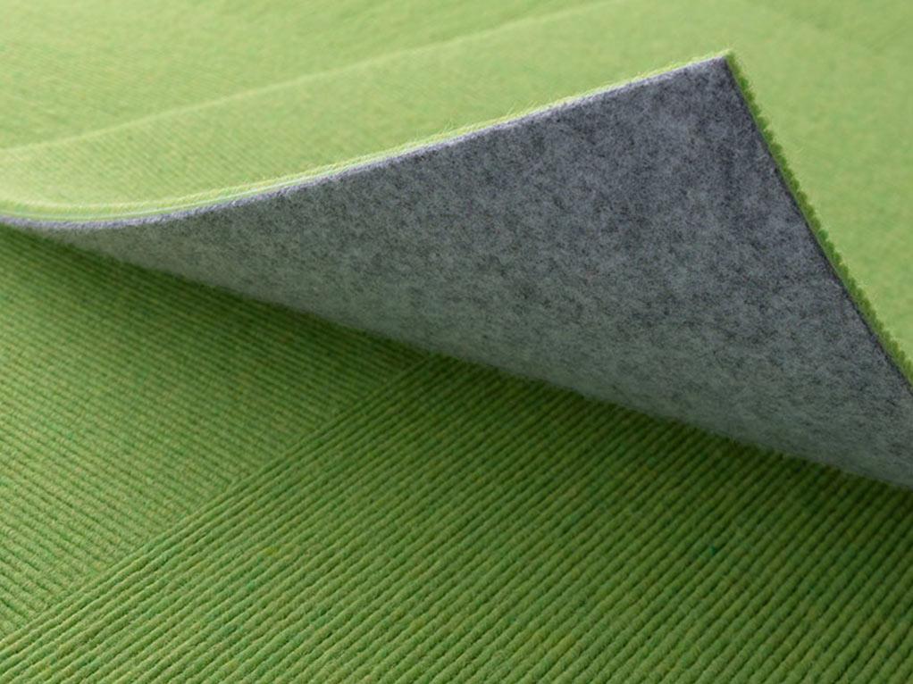 grüner teppich detailansicht, zwei lagen