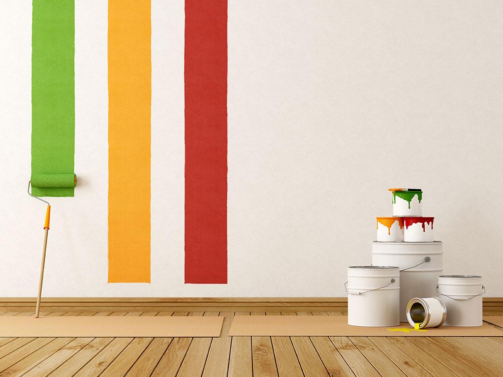 Wand mit Farbstreifen