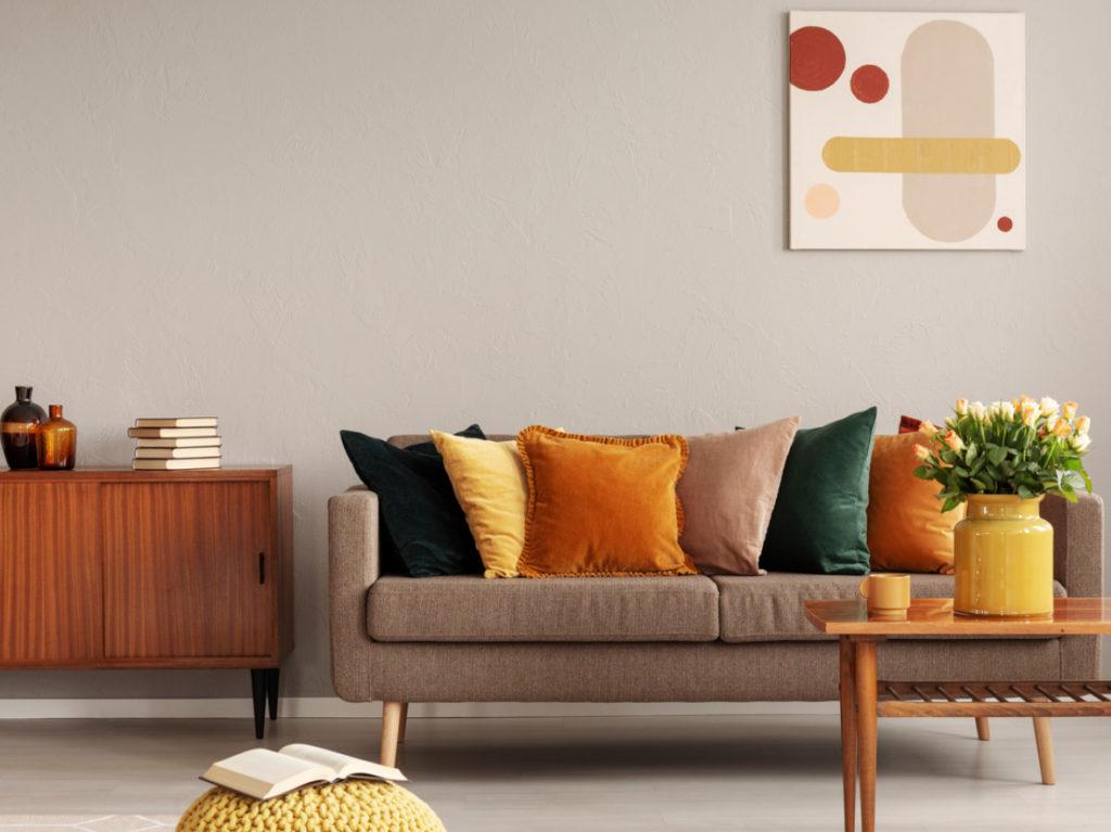Wohnzimmer Sofa mit Kissen